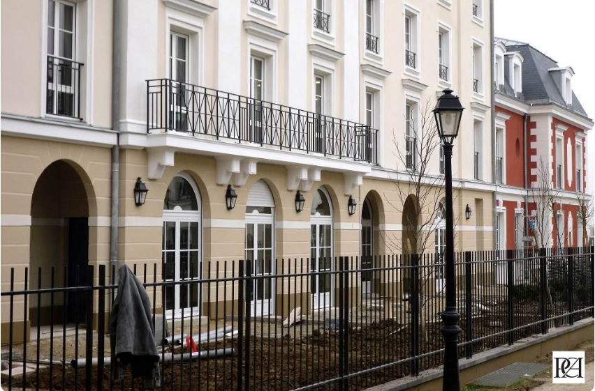 Noble Age Residence utanför Paris (2016)